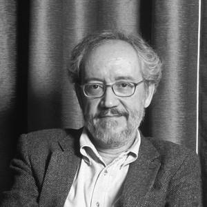Emilio Martínez Lázaro